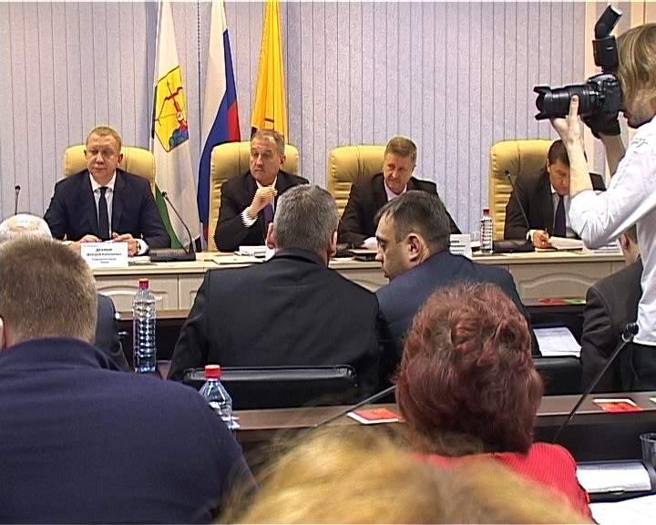 Конкурс на должность главы администрации г. Кирова усложнили.