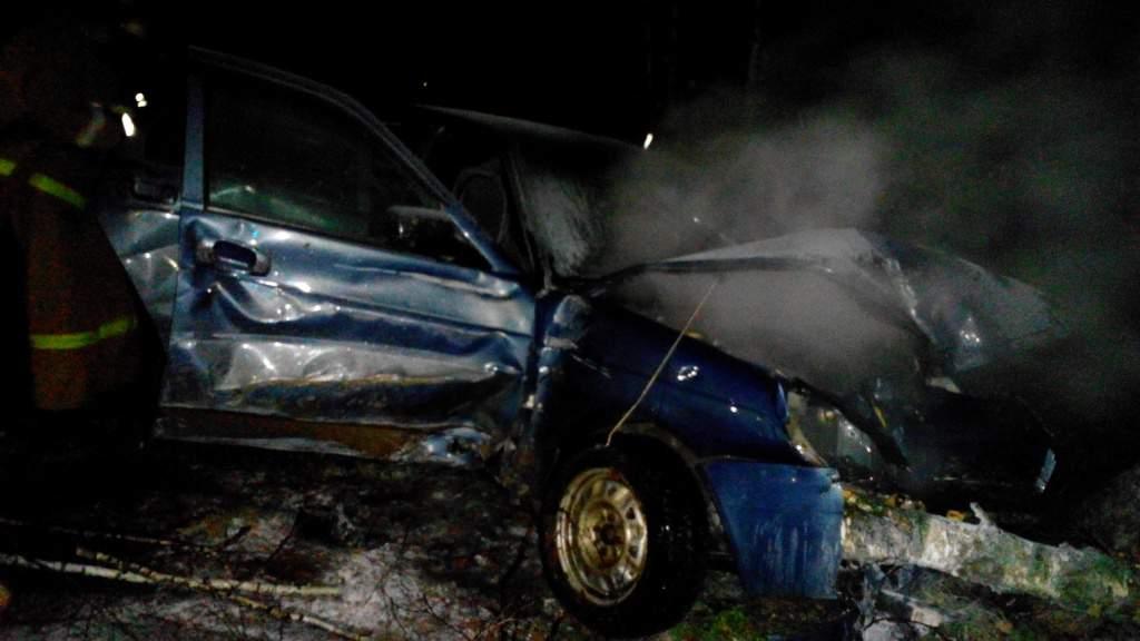 В Вятских Полянах пожарные предотвратили взрыв автомобиля.