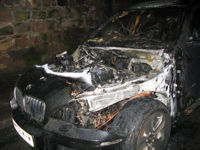 В Кирове сгорел автомобиль БМВ-Х6.