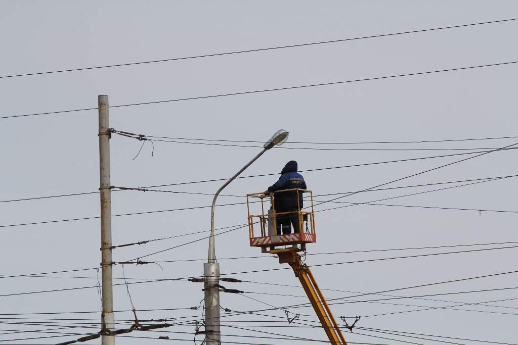 В Кирове установят дополнительные светильники.