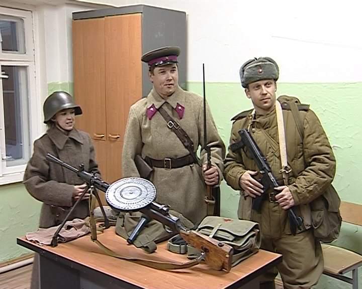 Живая история: реконструкторы воссоздают  события ВОВ