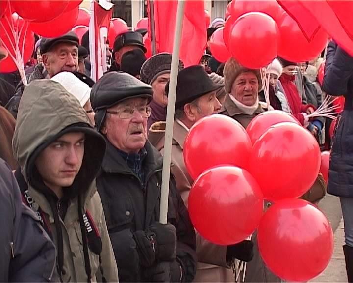 Шествие 7 ноября в Кирове