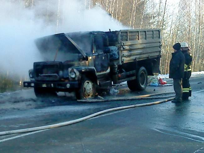 В Богородском районе сгорел грузовик.