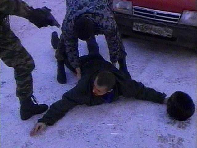 В Пижанском районе задержали водителя после продолжительной погони со стрельбой.