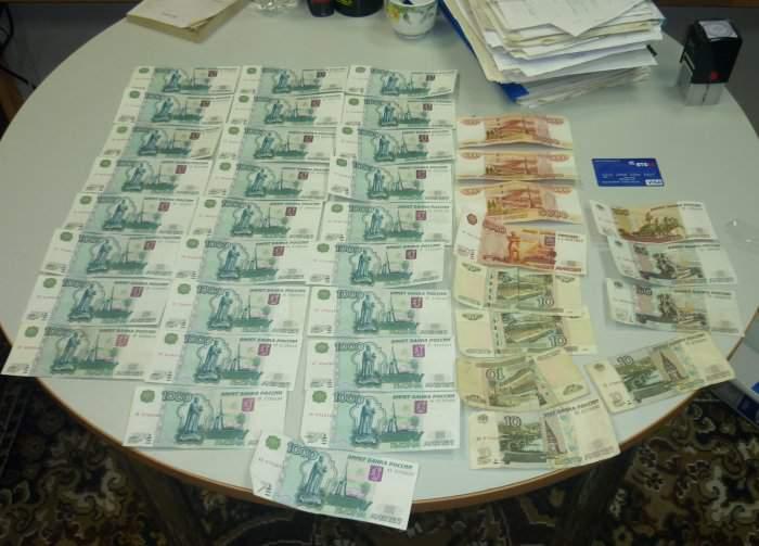 В Кирове возбуждено уголовное дело по факту получения взятки сотрудником транспортного надзорного ведомства.