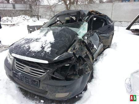 На автодороге Юрья-Киров произошло ДТП с участием «Киа-Серато», «МАЗ-67331» и полицейского «ГАЗ-32215».