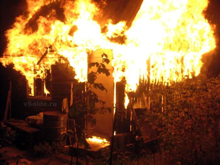 В Кирово-Чепецке задержали подозревамого в поджоге садовых домиков.