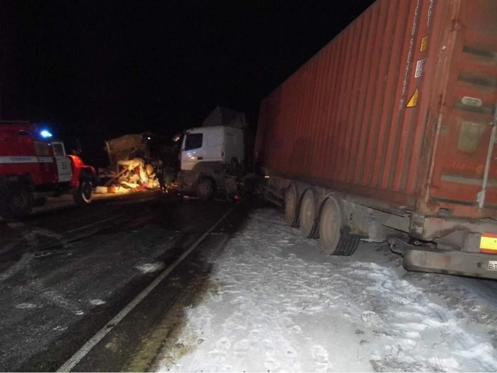 В Афанасьевском районе в ДТП пострадал водитель-дальнобойщик.