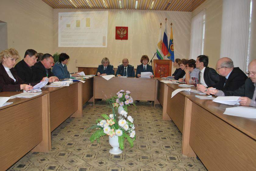 «Налоговый десант» в Омутнинске выявил серьезные недоработки в межведомственном взаимодействии.