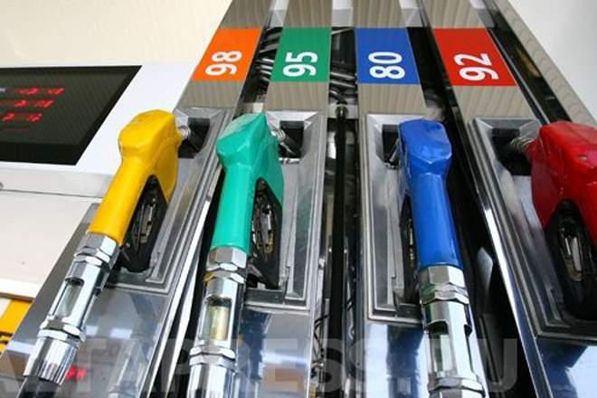 ФАС поручено разобраться с ростом цен на бензин.