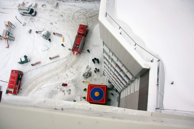 Кировские пожарные впервые провели учения на небоскребе.