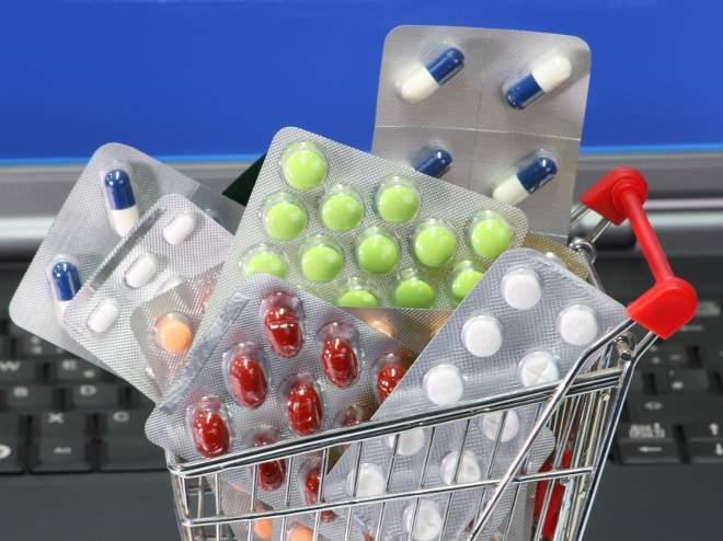 Росздравнадзор направил главам регионов письма с просьбой усилить контроль за ценами на  лекарства.