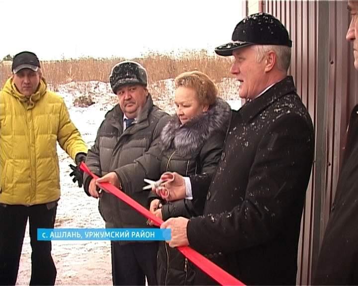 Алексей Котлячков оценил, как идет строительство роботизированной молочной фермы в Уржумском районе