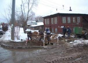 Эксперты установили причину смерти 74-летней женщины, найденной в доме, пострадавшем в результате аварии на теплотрассе в центре г. Кирова.