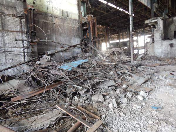 В п.Песковке Омутнинского района были сорваны уроки в школе из-за последствий  пожара в бывшем цехе лесопиления.