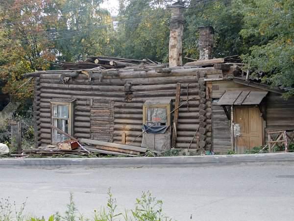 Активисты кировского отделения ОНФ добились отмены постановления полиции об отказе в возбуждении дела по факту сноса флигеля художника Хохрякова.