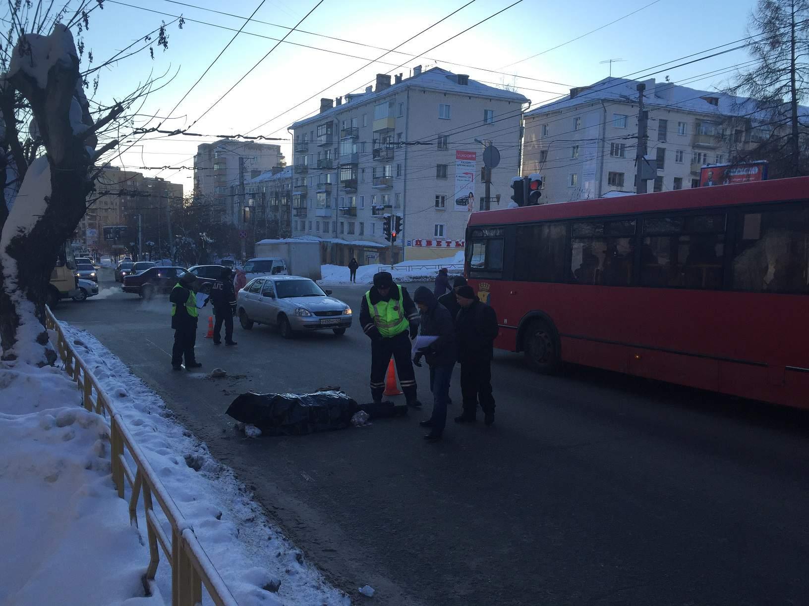 В Кирове на улице К. Маркса автобус насмерть сбил пешехода.