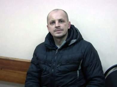 Кировская полиция разыскивает пострадавших от грабителя с пистолетом.