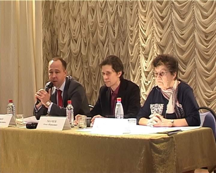Общественные слушания в кировском СКЦ «Семья»