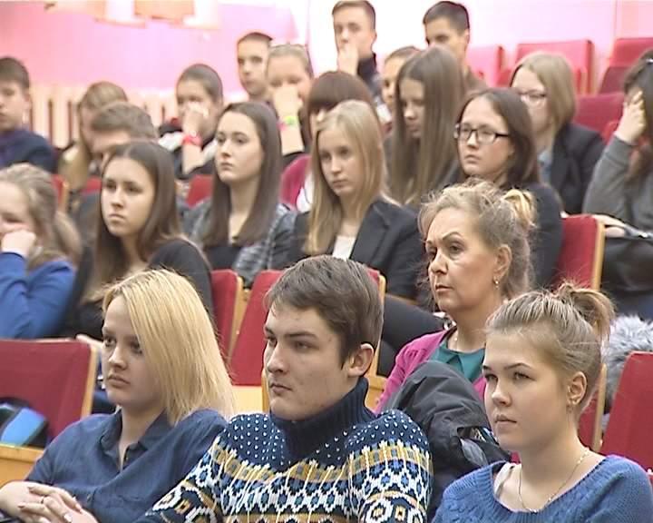 Встреча ветеранов-блокадников с учениками школы № 52