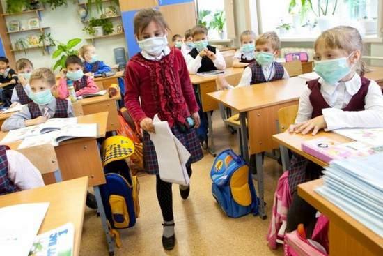 Кировских школьников отправляют на внеплановые каникулы из-за эпидемии ОРВИ.