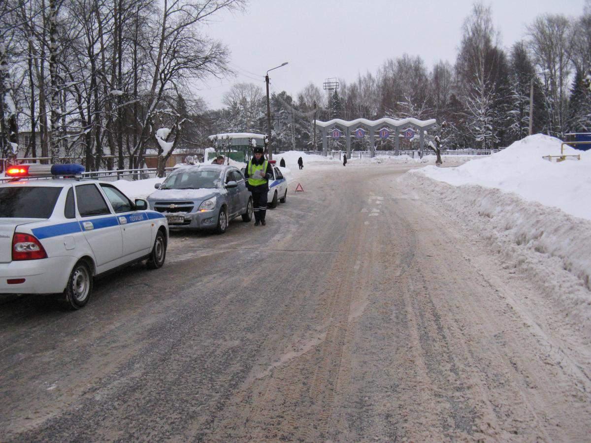 За сутки на дорогах пострадали два человека, в том числе ребенок