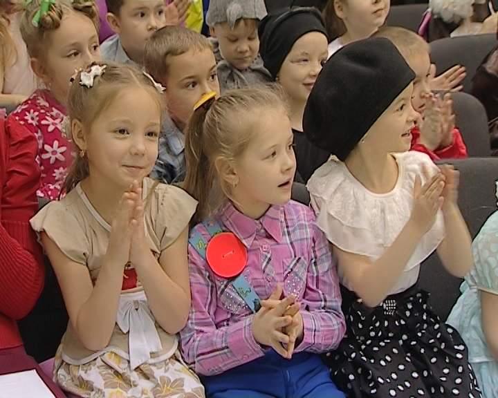 Конкурс юных чтецов в библиотеке имени Лиханова