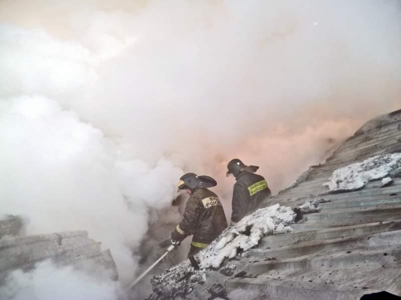 Сотрудники МЧС спасли 2-х человек и предотвратили взрыв газа