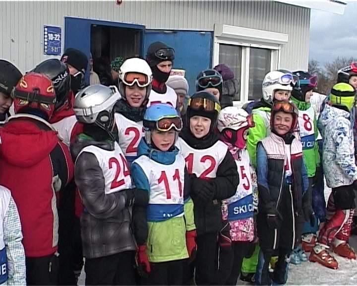 В Кирове состоялись соревнования по горнолыжному спорту