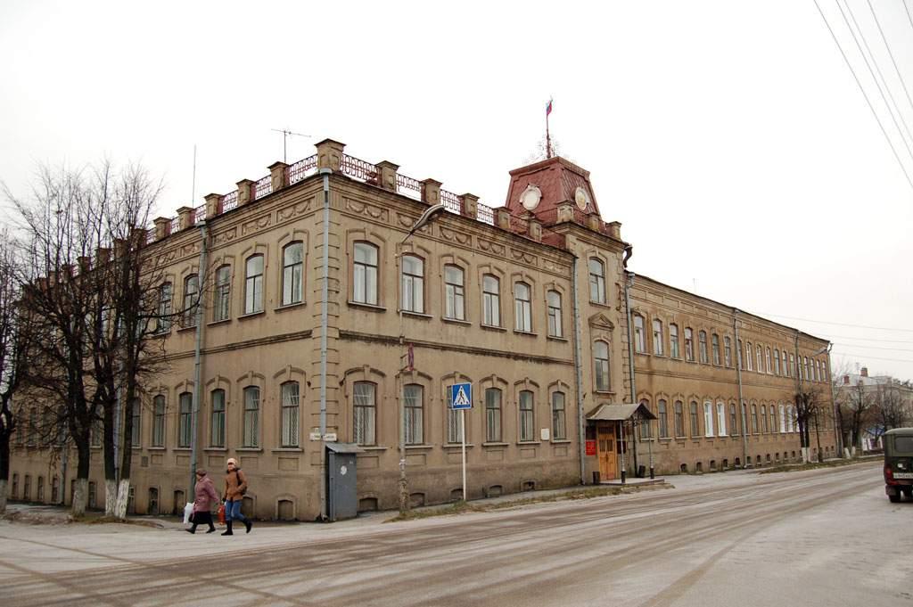 В Яранске восстановили незаконно уволенного главу управления районной администрации.