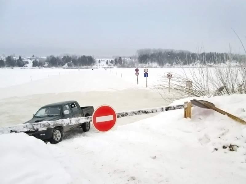 В Кировской области закрыли еще 3 ледовые переправы.