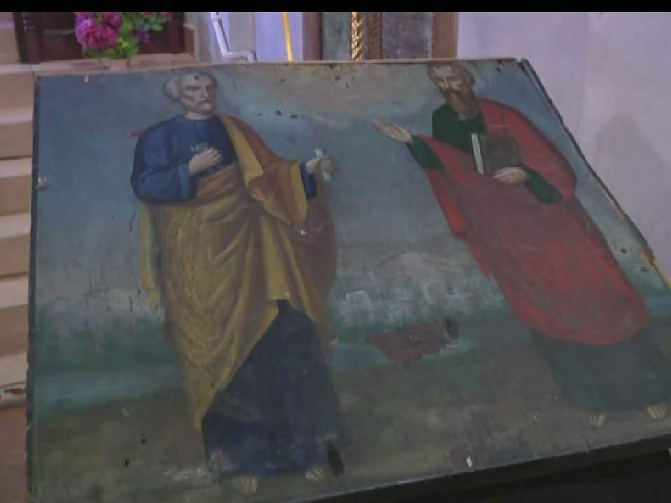 В церковь п. Суна вернули старинную икону, украденную два года назад.