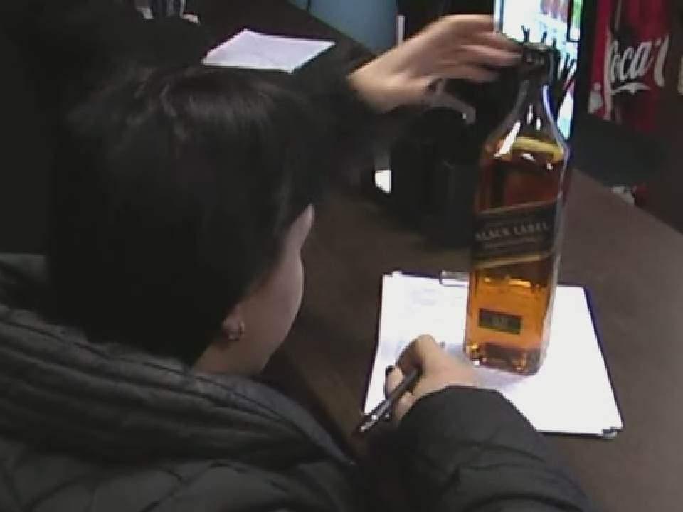В кафе незаконно торговали крепким алкоголем