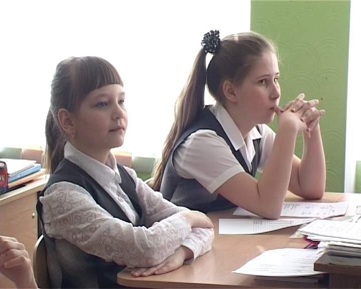 Английский язык в школах  сейчас преподают по современным образовательным стандартам