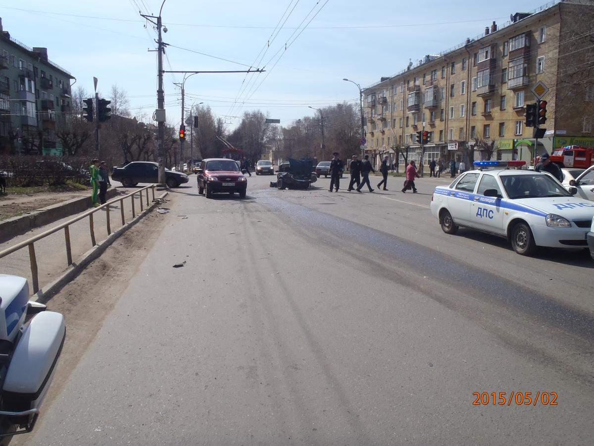 В ДТП на ул. Профсоюзной г. Кирова погиб пенсионер.