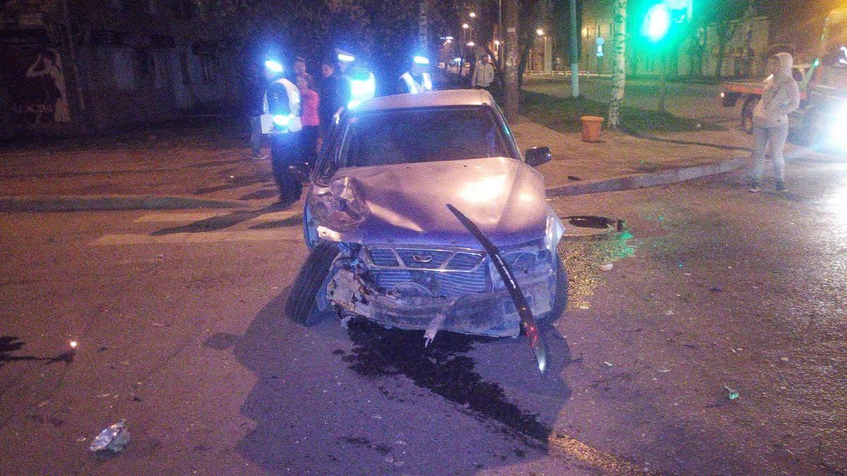 В Кирове на улице Ленина столкнулись две иномарки: четверо пострадавших.