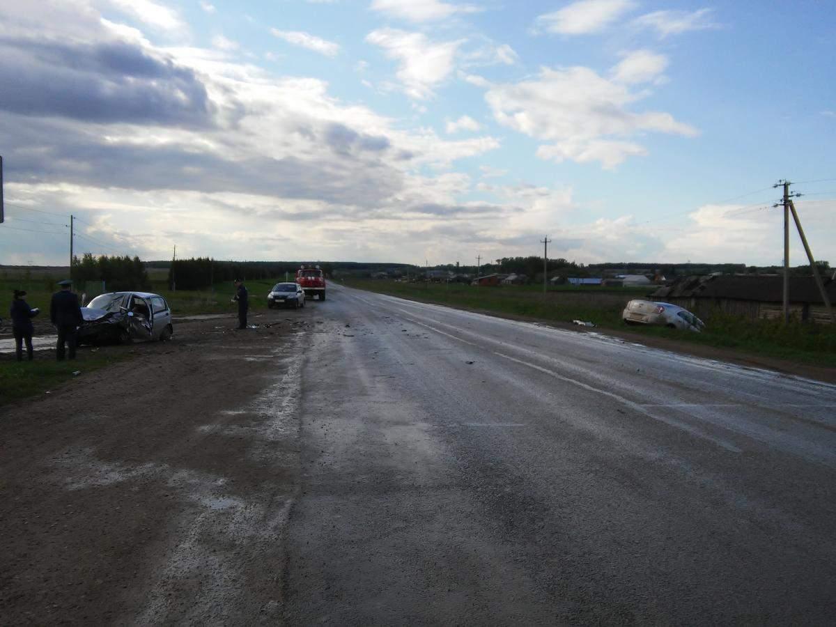 В ДТП в Малмыжском районе 1 человек погиб и трое травмированы.