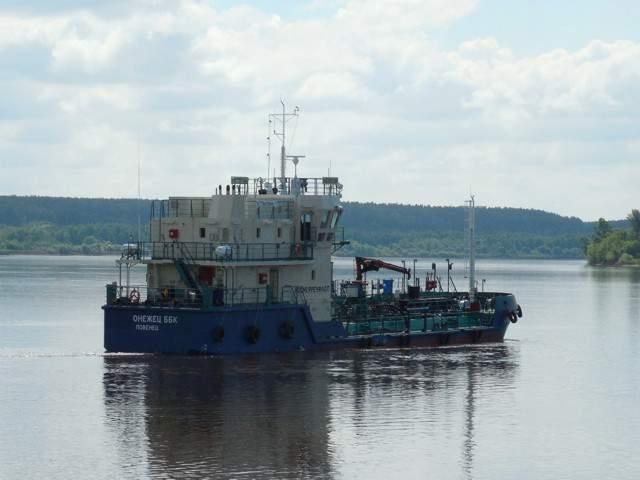 Сосновские судостроители отправили на ходовые испытания вновь построенные экологические суда.