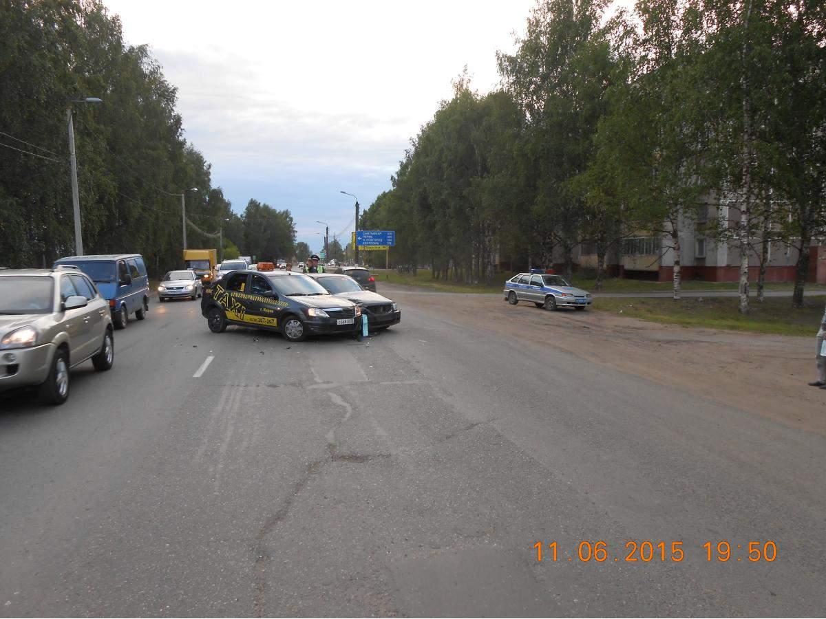 В Нововятском районе г. Кирова столкнулись