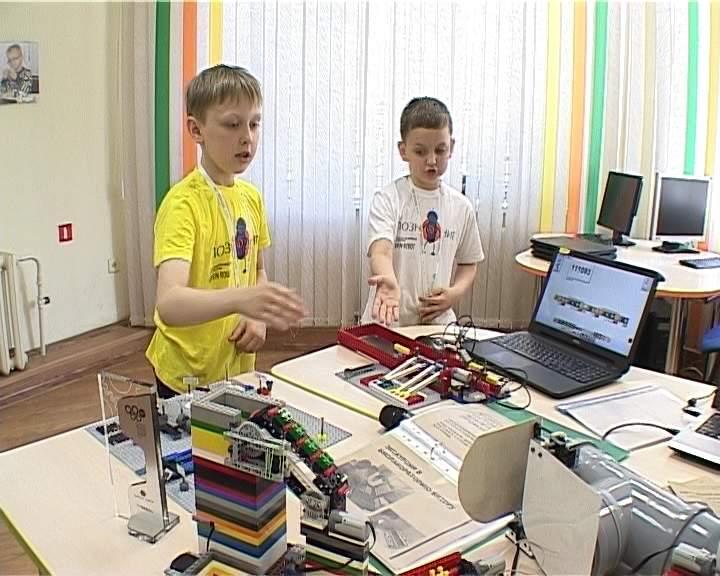 Кировские школьники победили на Всероссийской олимпиаде по робототехнике