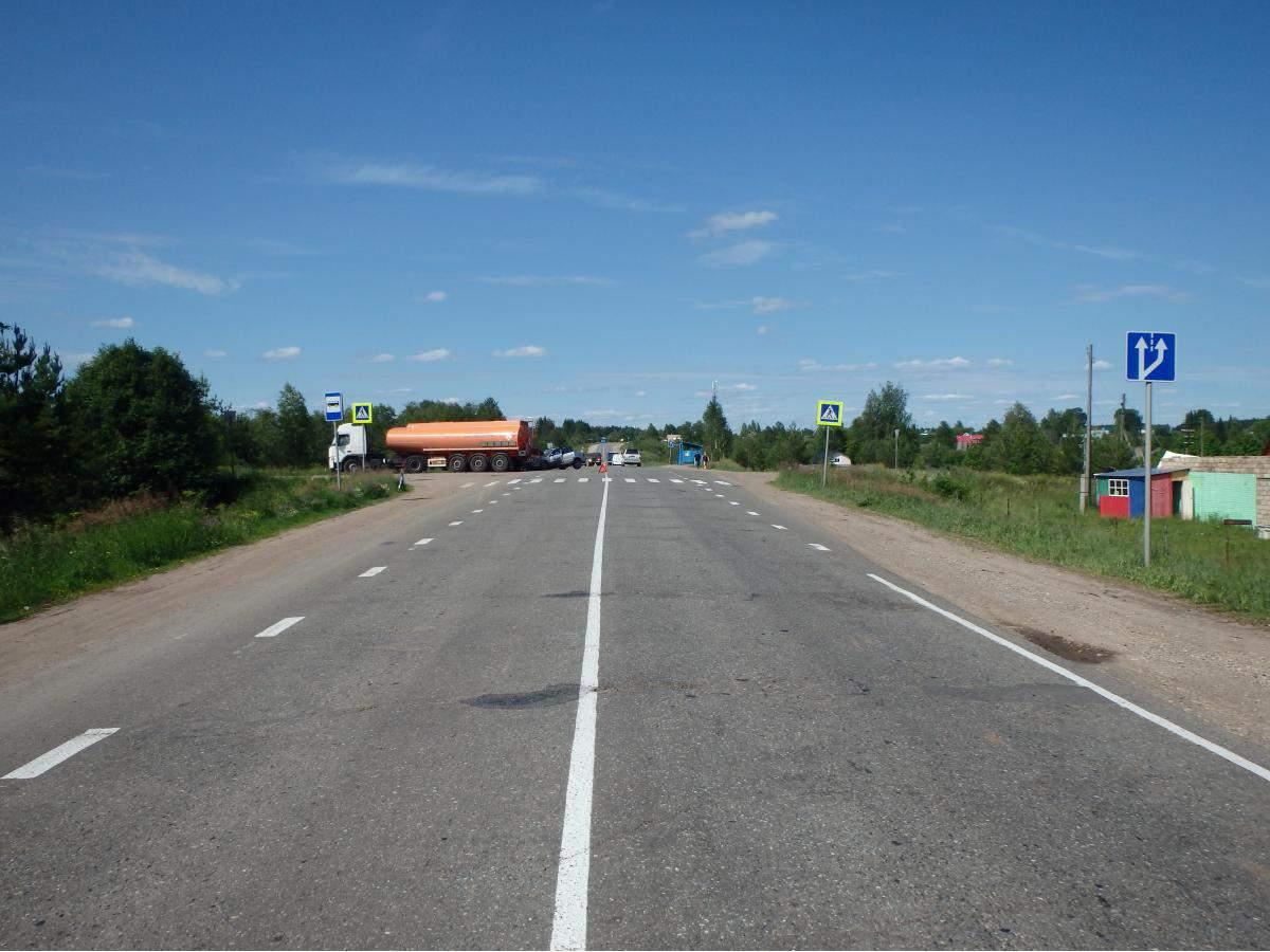ДТП в Кирово-Чепецком районе: три человека пострадали.  Авария произошла 19.06.2015 года в 12...