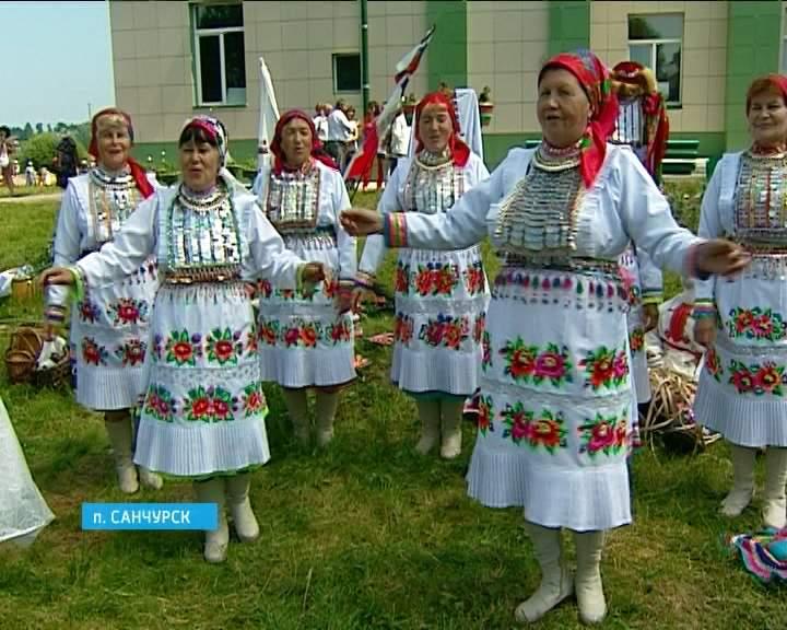 В Санчурске прошел фестиваль вятско-марийской дружбы