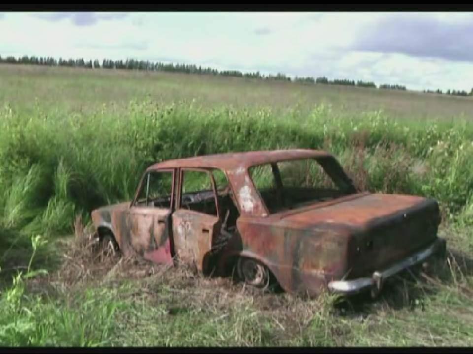 В п. Захарищево угнали и сожгли ВАЗ-2101.
