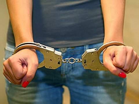 В Кирове задержали грабительницу пенсионера.
