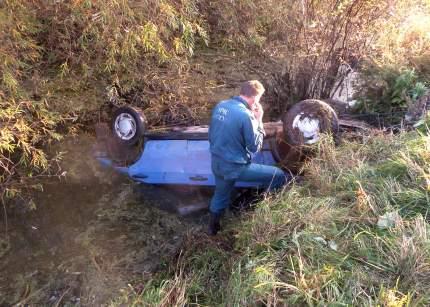 Начальник караула МЧС спас мужчину из утонувшего автомобиля