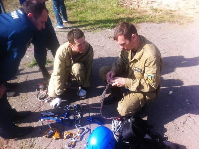 Кировские спасатели готовятся к экстрим-соревнованиям