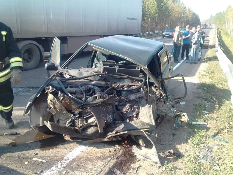 В Верхошижемском районе ВАЗ-21099 врезался в фуру: один человек пострадал.