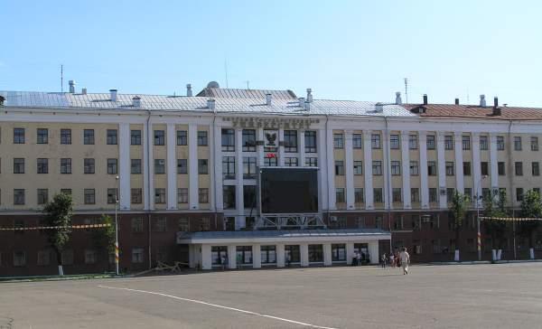 ВятГУ получил приказ Минобрнауки о реорганизации.