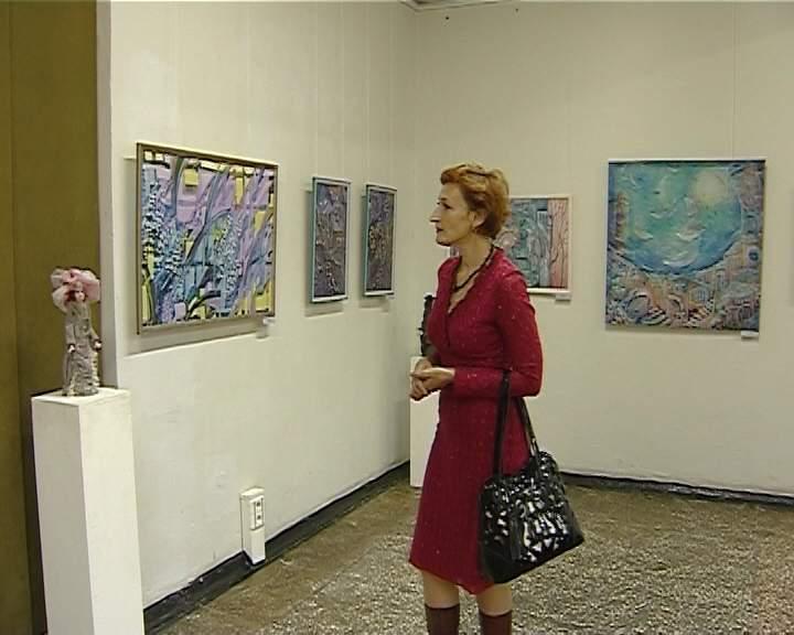 Выставка декоративного искусства в Выставочном зале художественного музея