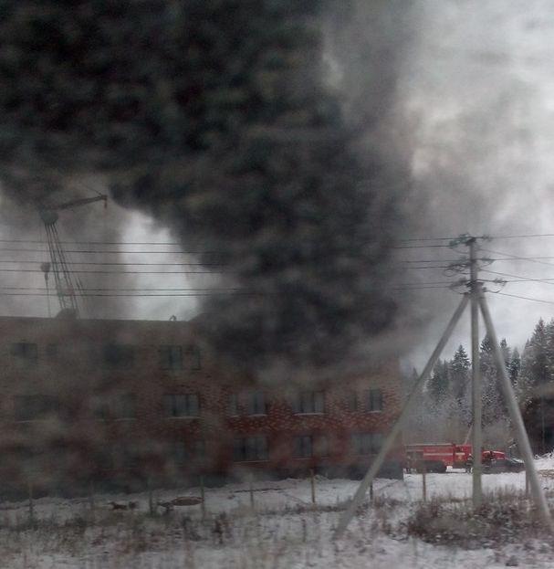 В недостроенном доме экопарка «Васильки» произошел пожар
